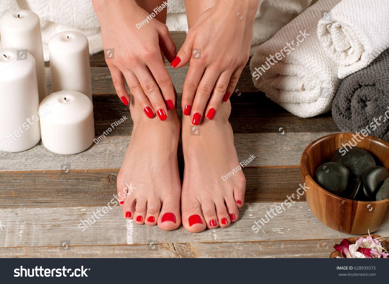 stock-photo-beautiful-female-feet-at-spa-salon-on-pedicure-procedure-628939373